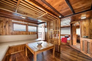la-galigo-liveaboard-the-suite